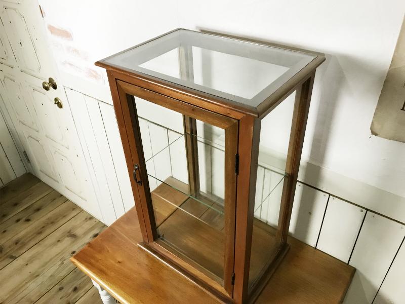 アンティーク調 卓上ガラス飾り棚 縦長 2段 ショーケース