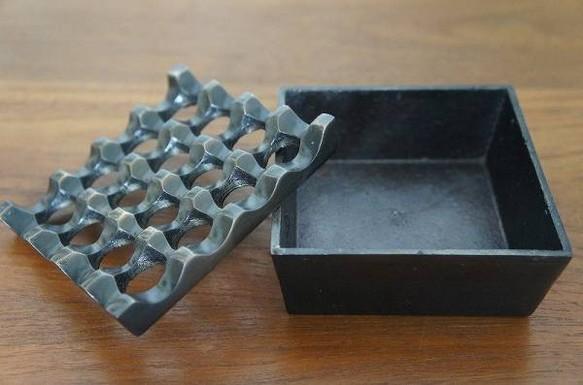 エスニック 灰皿 アシュトレー 正方形 ブラス色仕上げ