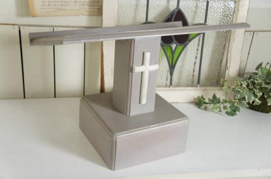 アンティーク調 キリスト教会 教壇 聖書置き台 メニュー台 十字架