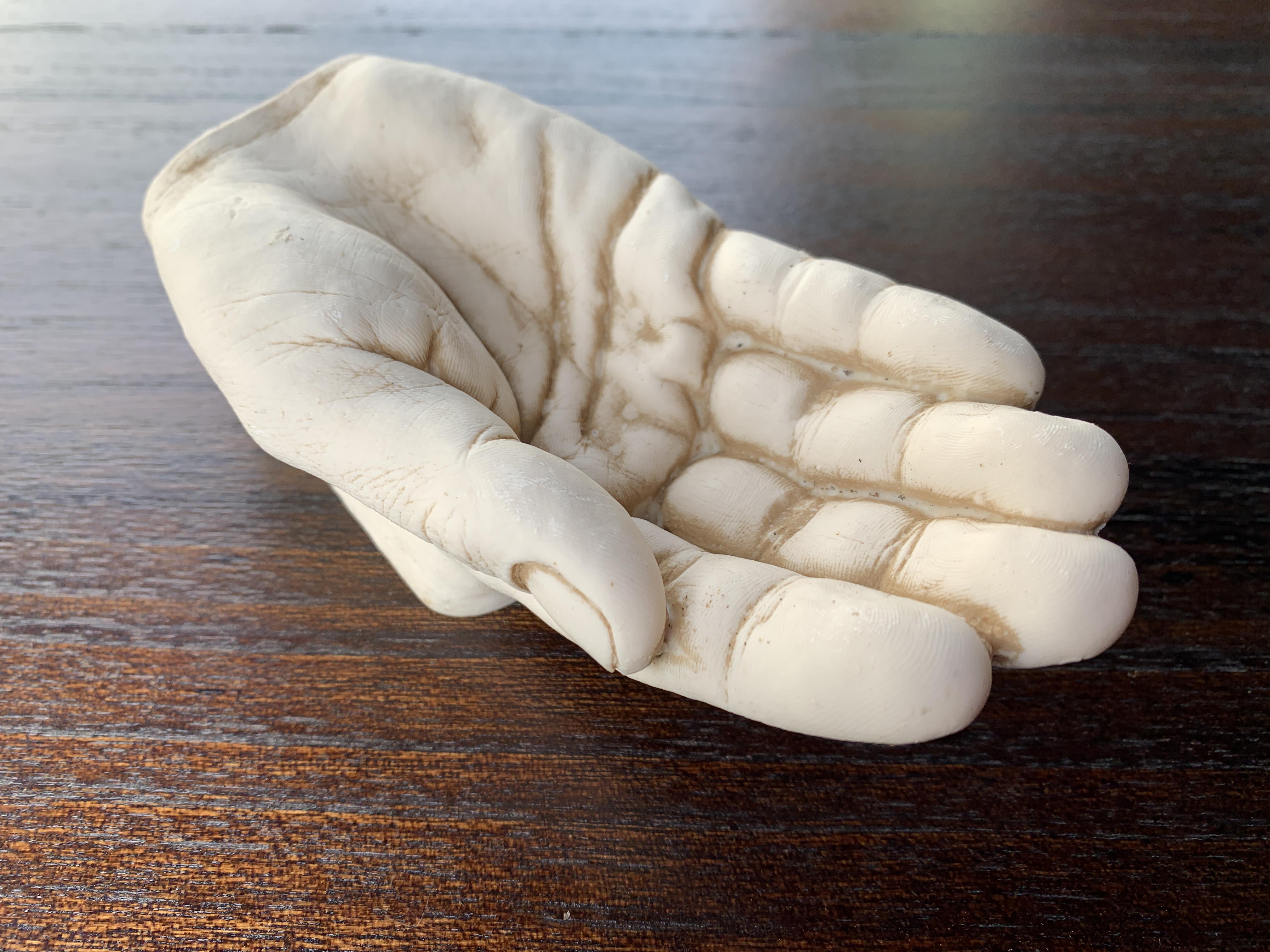 アンティーク調 ハンドアシュトレイ 手の形の灰皿 右手 ボロン樹脂製