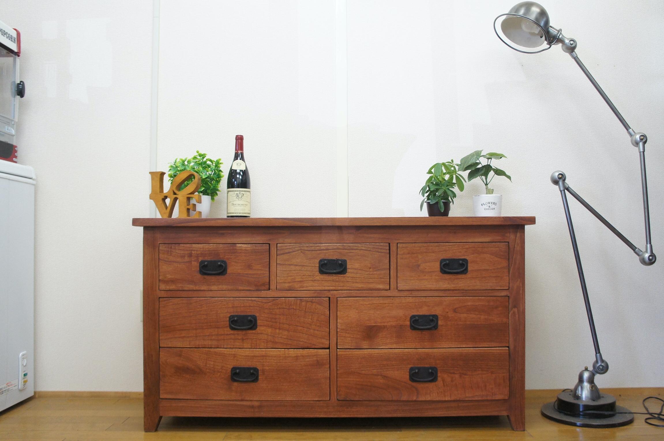 アンティーク調 木製 無垢材 リビングチェスト 飾り棚 3段 7杯 W120